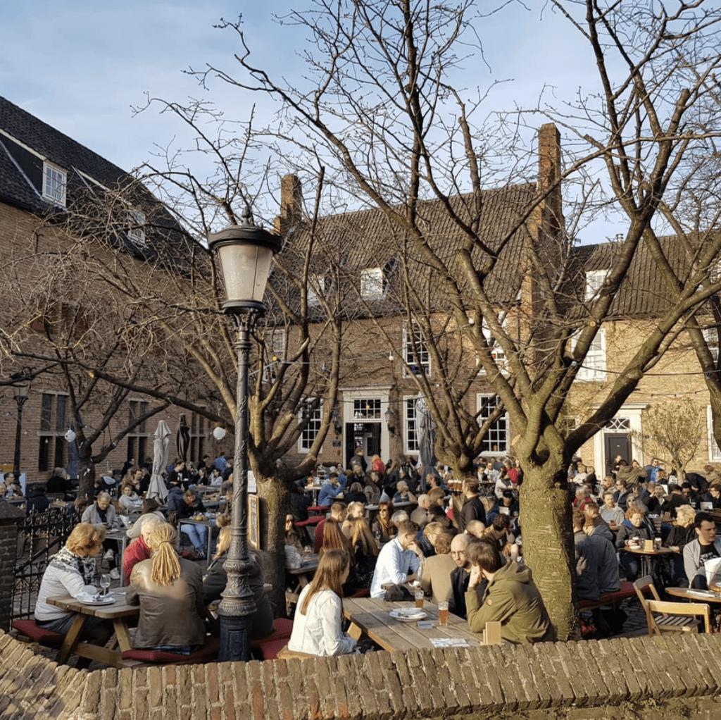 lunchen_op_het_mooiste_terras_van_Nijmegen